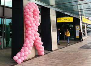 CORREOS joins up the AECC in its fight against breast cancer